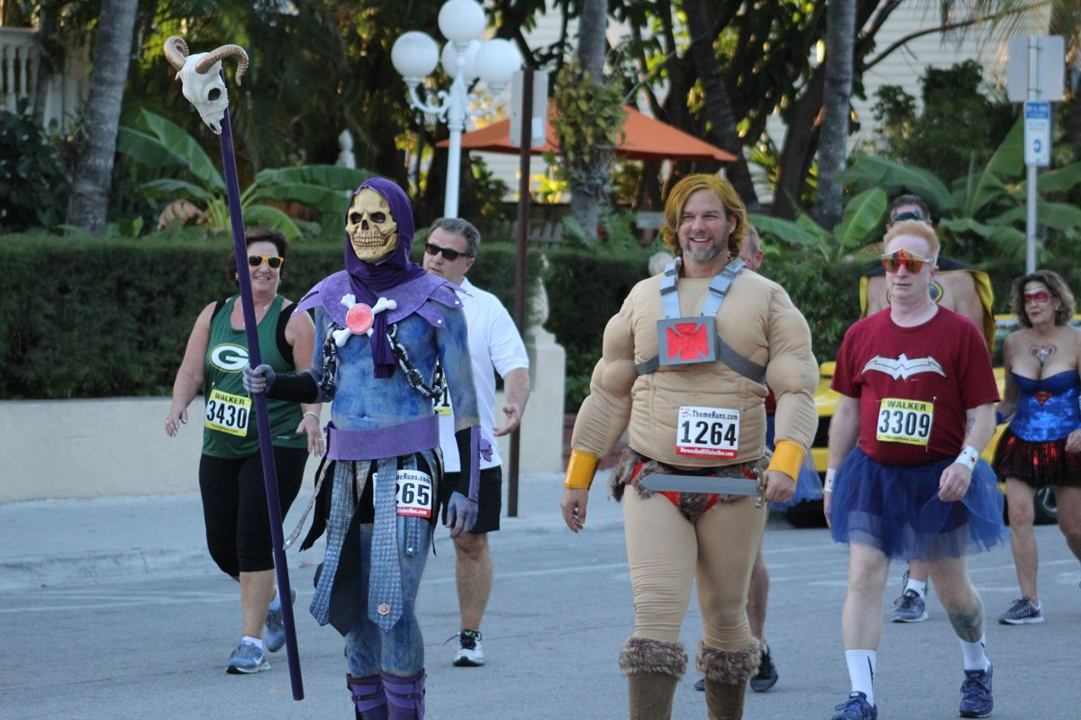2016 Heroes And Villains Run